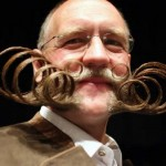 Barbas e bigodes diferentes - Estilo Tubo