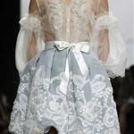 Vestido de Noiva Curto com Renda e Transparência
