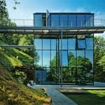 Fachada com painéis de vidro alemão