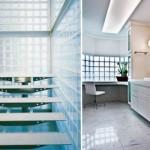 Os tijolos de vidro deixam a casa mais moderna e sofisticada.