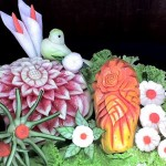 A mesa de frutas pode ser incrementada com legumes e verduras.