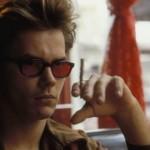 O ator River Phoenix tinha uma promissora, porém foi outra vítima do uso excessivo de drogas pesadas, falecendo aos 23 anos