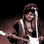 Jimmy Hendrix, considerado um dos maiores guitarristas de todos os tempos, morreu aos 27 anos