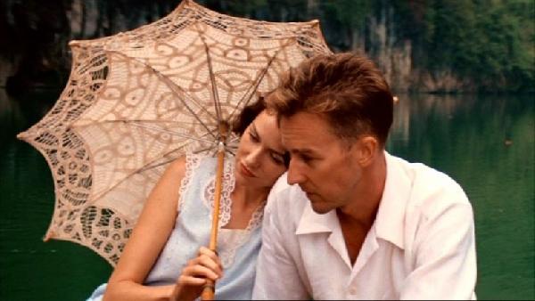 O clima de romance paira no ar no dia dos namorados (Foto: Divulgação MdeMulher)