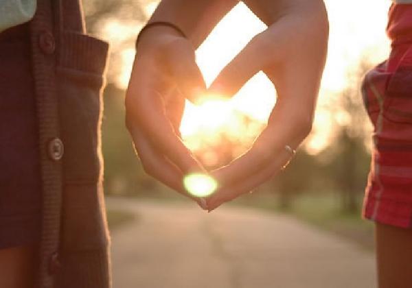 Namorados gostam de passear juntos invista na relação (Foto: Divulgação MdeMulher)