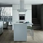 O balcão é peça indispensável na cozinha americana, pois é ele que  faz a divisória entre os cômodos.