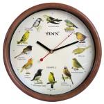 A cada hora inteira marcada um pássaro diferente canta.