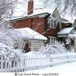 Casa coberta de neve em Toronto, Canadá