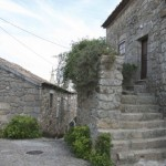 As casas rústicas são caracterizadas pela sua arquitetura simples e bonita.