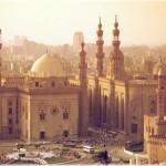 Museu do Cairo, a visita ao museu é uma aventura. Fotografar dentro de uma de suas salas é considerado crime pelas leis locais.