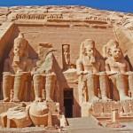 Templos de Abu Simbel, dedicados a Ramsés II e sua amada Nefertari.
