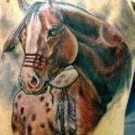 Tatuagem de cavalo, simboliza força, velocidade e resistência. (Foto: divulgação)