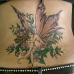 As fadas como desenho de tatuagem podem aparecer em traços muito simples ou carregados de cores e detalhes.