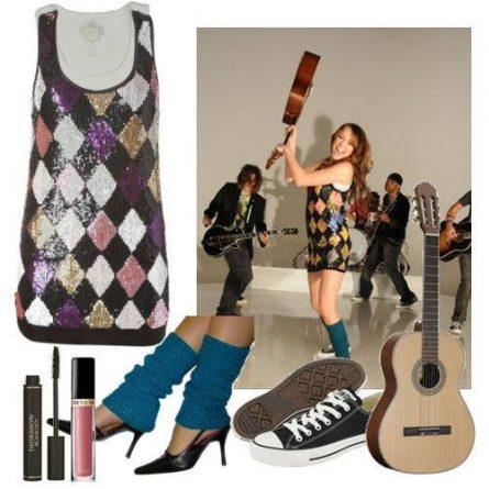 Com um estilo bem alternativo, Miley serve de inspiração para o público teen.