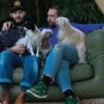 O estilista Alexandre Herchovitch e Fabio Souza tem uma relação estável há 5 anos. (Foto: divulgação)