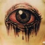 Após fazer a tatuagem é preciso cuidar bem do desenho para que a pele não infeccione ou inflame. (Fotos: divulgação)