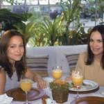 """Já em 1997, Regina Duarte repetiu o papel de Helena na novela """"Por Amor"""". A novidade foi ter Gabriela Duarte trabalhando ao lado da mãe. (Fotos: divulgação)"""