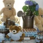 Festa de batizado decorada com tema Ursos