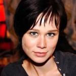 """Na novela """"América"""" a atriz radicalizou no corte e escureceu as madeixas. (Foto: divulgação)"""