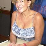Susana com cabelos curtos e um ar jovial. (Foto: divulgação)