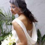 Vestido de noiva retrô, o charme fica por conta do Viollete. (Foto: divulgação)