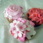 Cupcakes decorados com flores para casamento. (Foto: divulgação)