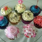 Cupcakes lindamente decorados e deliciosos. (Foto: divulgação)