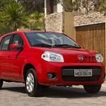 Entre os novos opcionais para o Fiat Uno 2013 aparecem o computador de bordo, volante bi-textura, parafusos antifurto para as rodas e novos temas de personalização externa