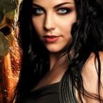 Amy Lee fundou a banda Evanescence que mistura elementos de rock com música clássica. (Foto: divulgação)