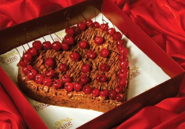 Uma torta formato de coração (Foto: Divulgação MdeMulher)