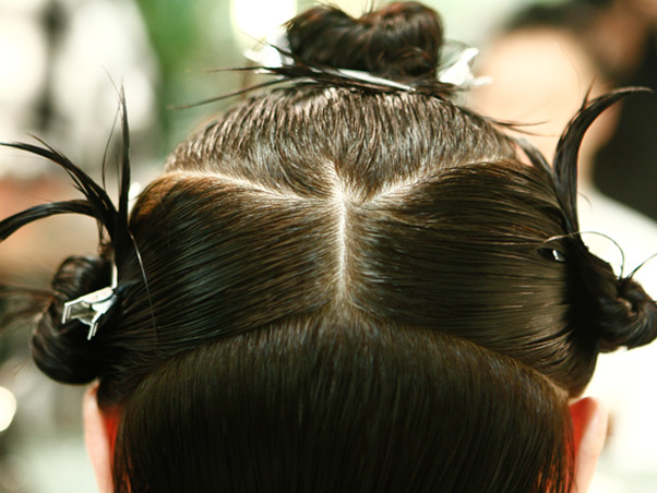 Como dividir a cabelo conforme o tipo de rosto. Foto:(Divulgação)