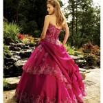 As meninas que querem uma festa de 15 anos tradicional devem optar por modelos de vestidos de debutantes clássicos, bem ao estilo princesa. (Foto: divulgação)