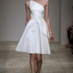 Para esse vestido o uso do branco não é considerado obrigatório, embora algumas noivas não abram mão dessa tradição. (Foto: divulgação)
