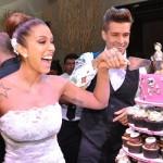 A torre de cupcakes é a mais nova tendência de festas de casamentos.