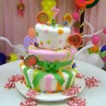Nas festas infantis o que nunca pode faltar  são  os bolos. (Foto: divulgação)