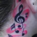 Algumas tatuagens são maiores e mais visiveis. (Foto: divulgação)