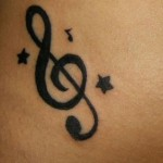 A clave de sol é a tatuagem mais procurada. (Foto: divulgação)