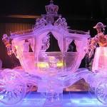 Carruagem da Cinderela esculpida em gelo. (Foto: divulgação)