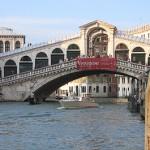 Ponte di Rialto - Veneza - Itália. Um dos cartões postais da cidade. (Foto: divulgação)