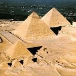 As chamadas pirâmides do Egito, denominadas como pirâmides de Gizé. (Foto: divulgação)