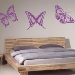 O quarto de casal também combina com borboletas.