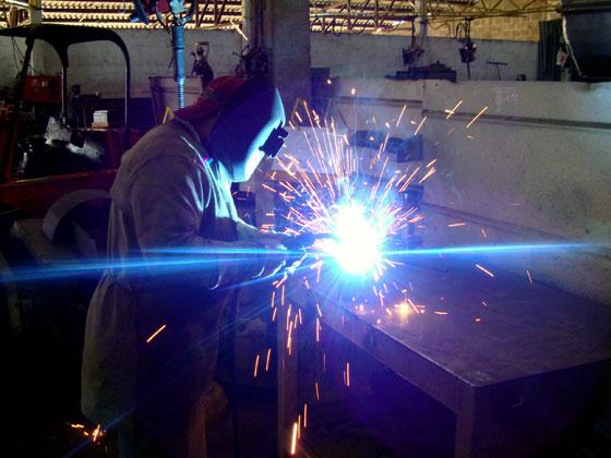 Faça cursos gratuitos na área de solda para garantir uma boa colocação no mercado de trabalho (Foto: Divulgação)