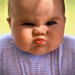 Os bebês são ainda mais engraçados quando fazem caretas (Foto: divulgação)