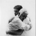 Não deixe que a velhice afaste seu pai de você, ame-o incondicionalmente assim como ele o ama (Foto: divulgação)