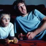 Todo tipo de brincadeira entre pais e filhos é válida e ele com certeza levará para o futuro esses momentos, sendo uma pessoa feliz (Foto: divulgação)
