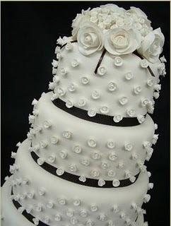 Um bolo mais elaborado reflete um toque moderno e atual (Foto: divulgação)