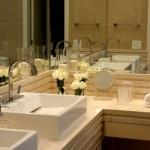 Os espelhos combinam com todos os estilos de decoração.