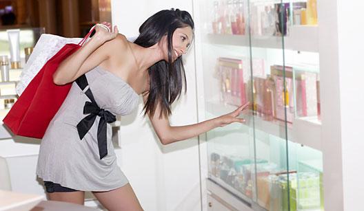 É preciso alguns cuidados antes da escolha do perfume. (Foto:Divulgação)