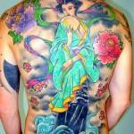 Tatuagem de gueixa com flores (Foto: divulgação)