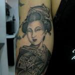 Tatuagem de gueixa, símbolo da inteligência feminina (Foto: divulgação)